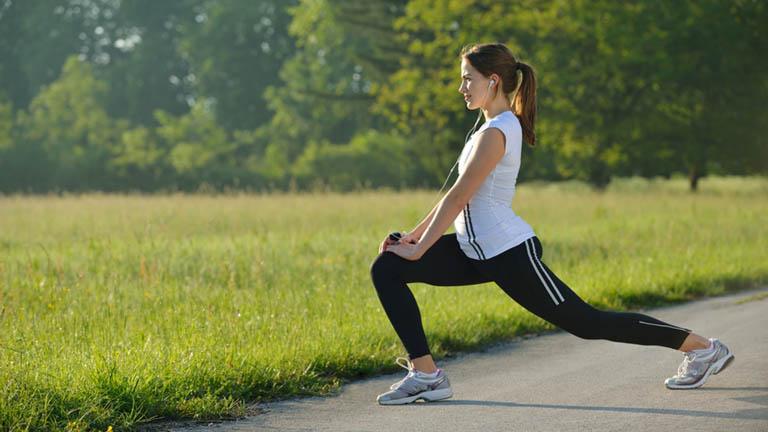 Dành thời gian tập luyện thể dục thể thao mỗi ngày giúp nâng cao sức đề kháng cơ thể