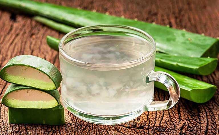 Uống nước nha đam nấu đường phèn mỗi ngày giúp hỗ trợ điều trị bệnh từ bên trong