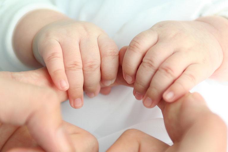 trị viêm da cơ địa ở trẻ em
