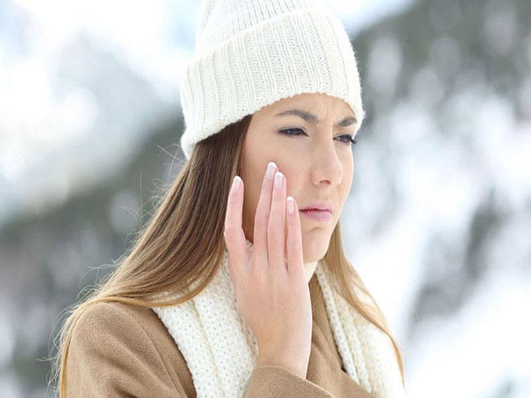 Dị ứng thời tiết vào mùa đông nguy hiểm không? Đối tượng nào dễ bị?