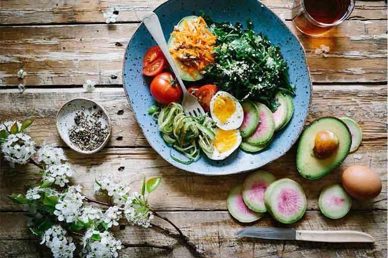 Duy trì thói quen ăn uống khoa học giúp phòng ngừa bệnh mề đay vật lý
