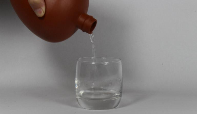 cách trị mề đay bằng rượu