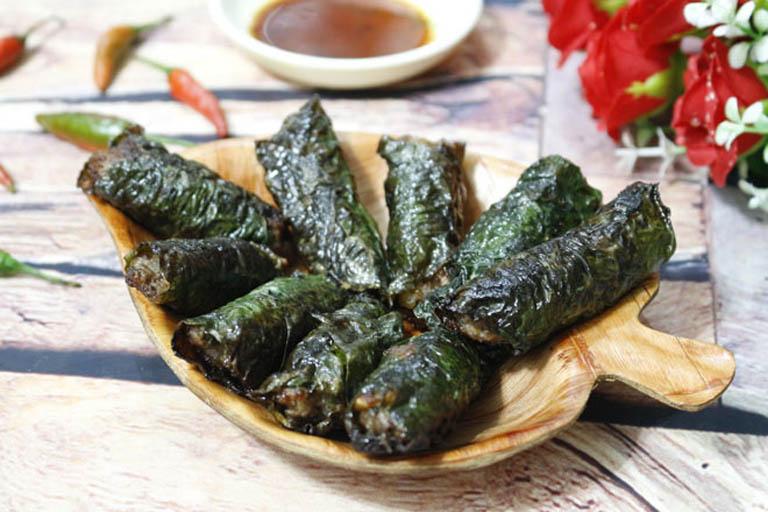 Sử dụng món ăn từ lá lốt giúp hỗ trợ cải thiện triệu chứng của bệnh từ bên trong