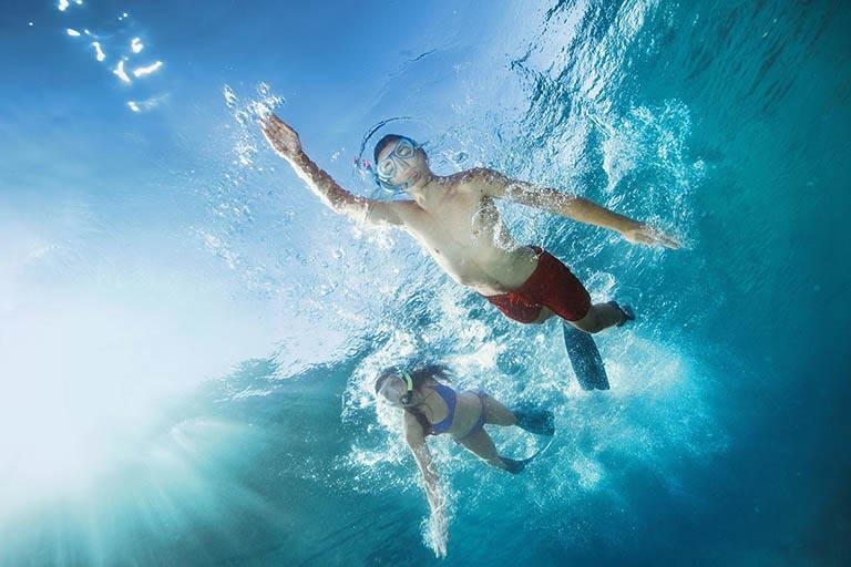 Tắm nước biển cũng là nguyên nhân gây nổi mề đay vật lý