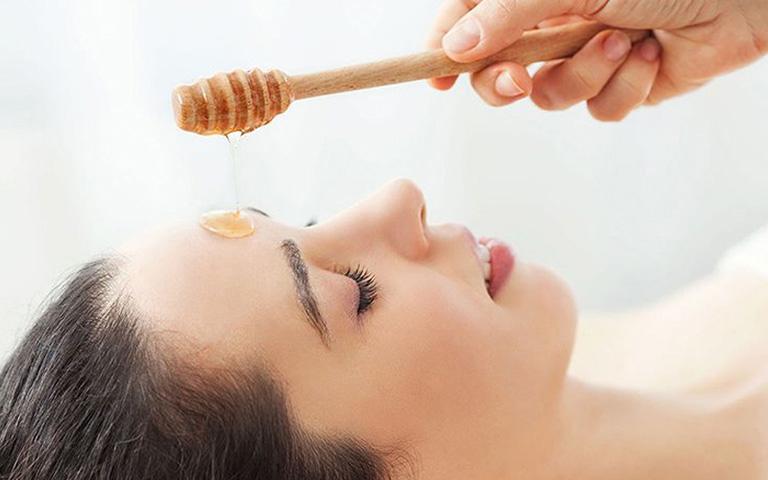 cách dùng mật ong trị dị ứng da mặt