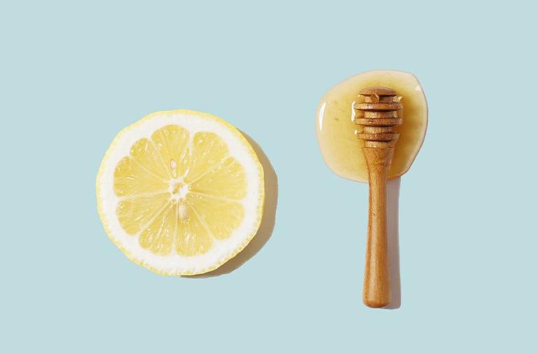 chữa dị ứng da mặt bằng mật ong
