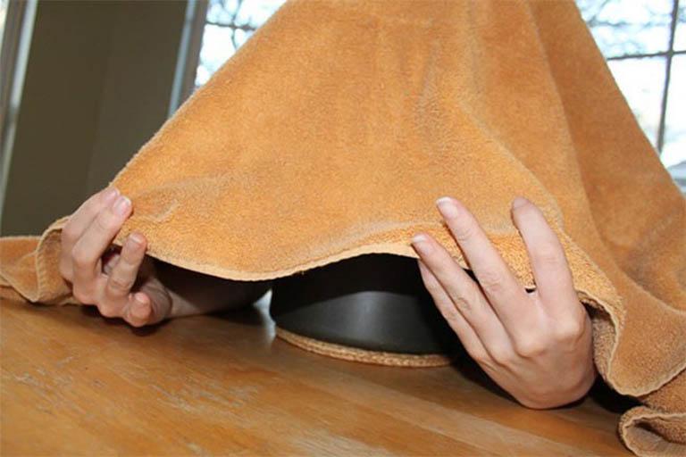 Xông hơi trị bệnh mề đay tại nhà là phương pháp được áp dụng phổ biến hiện nay