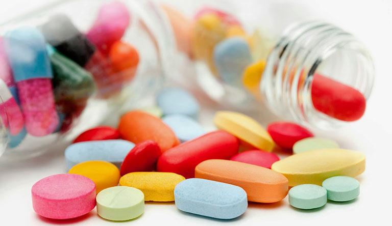 Dị ứng da mặt uống thuốc gì?