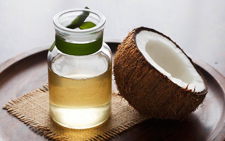 cách dùng dầu dừa chữa vảy nến