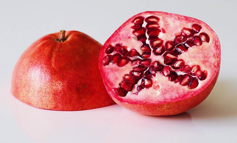 Quả lựu - Trái cây nên ăn khi bị đau dạ dày