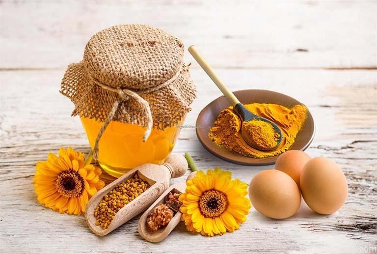 Kết hợp nghệ với mật ong và trứng gà để điều trị viêm loét dạ dày tá tràng