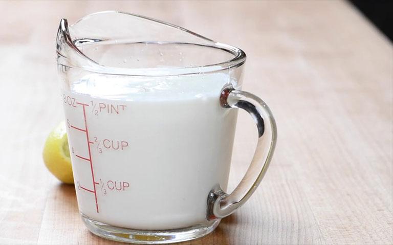 xuất huyết dạ dày có uống được sữa không