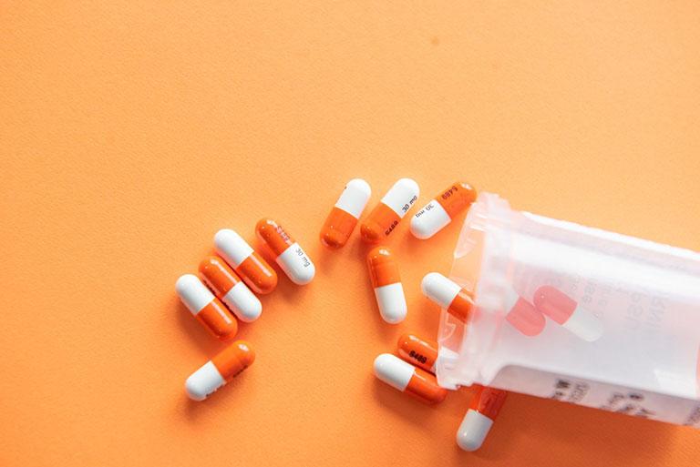 Bệnh nhân nên dùng thuốc điều trị để kiểm soát chứng trào ngược