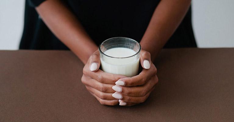 trào ngược dạ dày uống sữa đậu nành được không