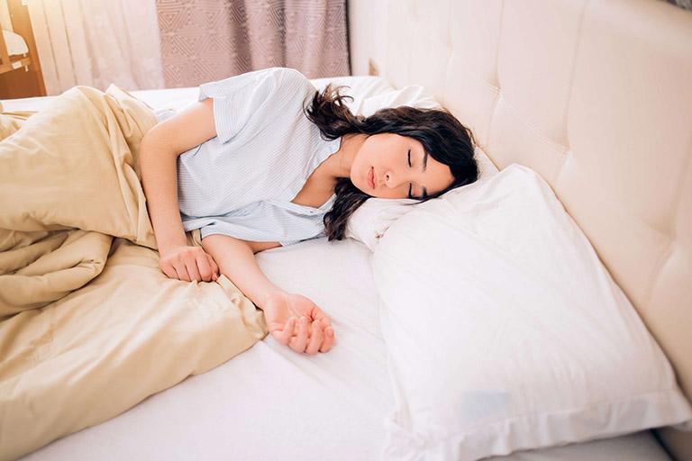 Điều chỉnh lối sống có thể giảm tình trạng khó thở và một số triệu chứng do trào ngược dạ dày gây ra