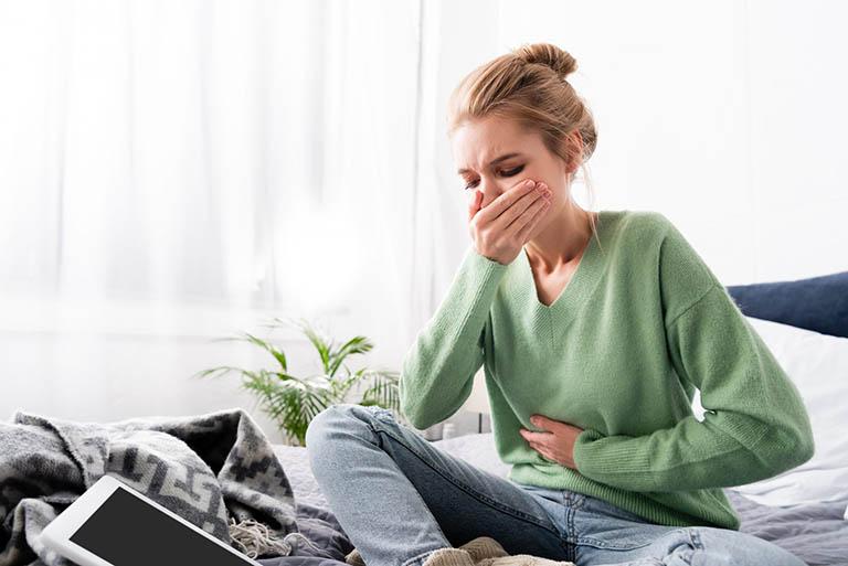 Dịch mật trào ngược có thể gây ra nhiều triệu chứng khó chịu