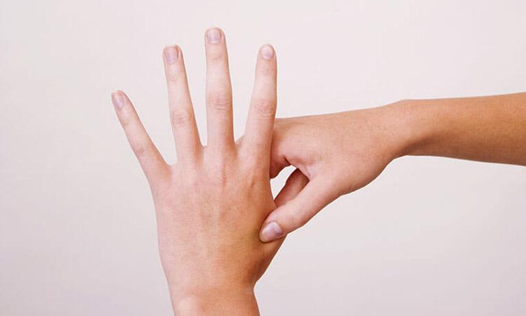Xoa bóp bấm huyệt chữa trào ngược dạ dày là liệu pháp có nguồn gốc từ y học cổ truyền