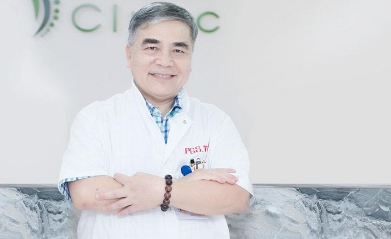PGS.TS Ngô Văn Toàn là một trong những bác sĩ Cơ xương khớp giỏi tại miền Bắc