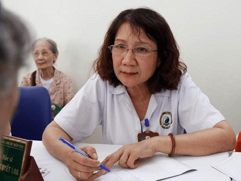 TS.BS Nguyễn Thị Tuyết Lan có tới hơn 40 năm kinh nghiệm trong nghề