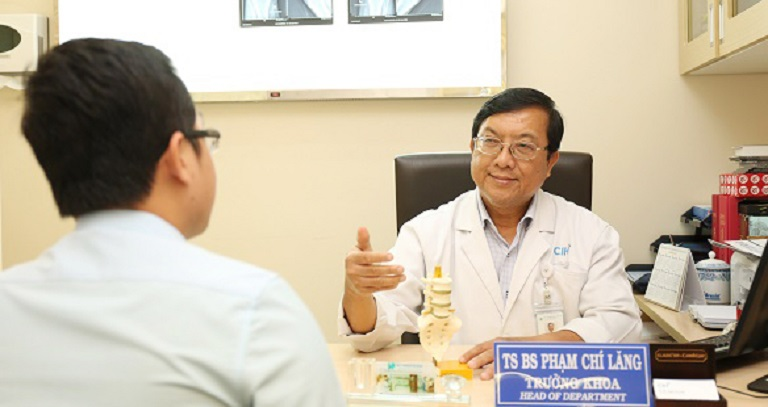 TS.BS Phạm Chí Lăng sở hữu hơn 30 năm kinh nghiệm khám chữa Cơ xương khớp