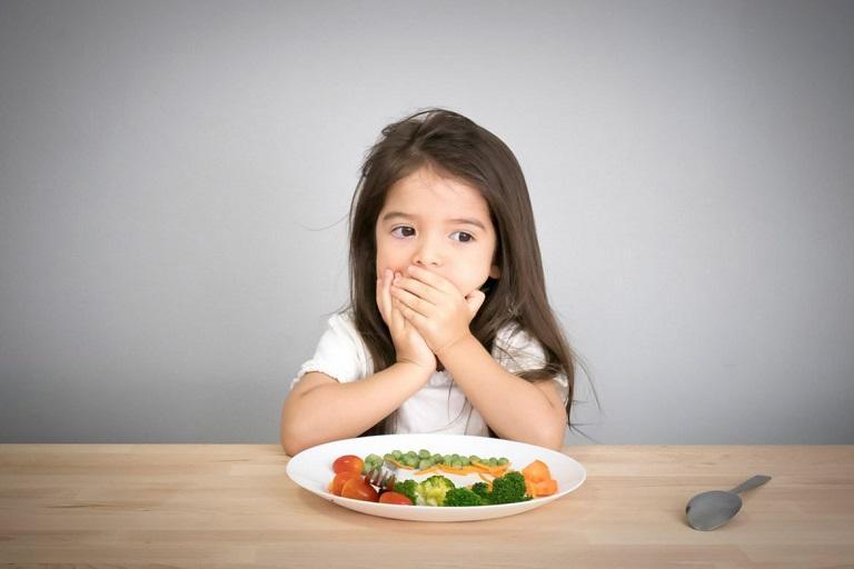 Thói quen ăn nhiều đồ ngọt khiến nguy cơ sâu răng ở trẻ tăng cao