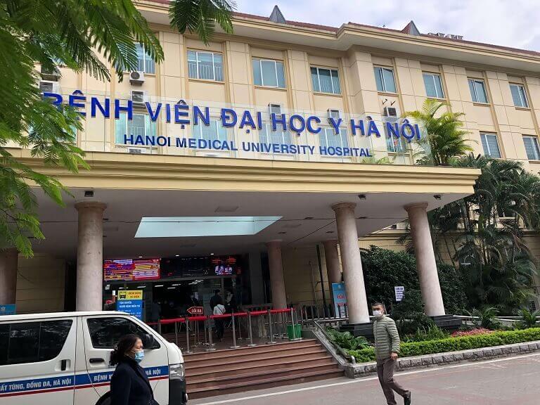 Bệnh viện Đại học Y Hà Nội là điểm đến được nhiều chị em mắc viêm âm đạo lựa chọn