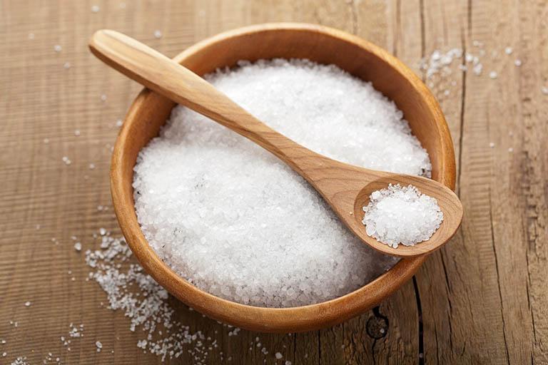 Trầu không kết hợp với muối giúp trị bệnh