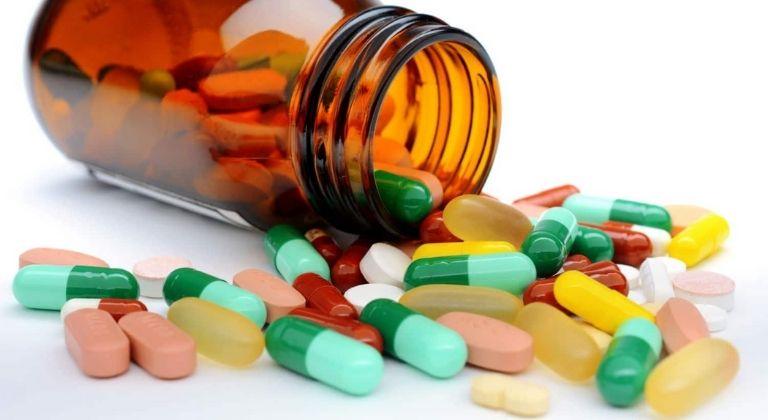 Y học hiện đại có khá nhiều nhóm thuốc được dùng cho người gai cột sống