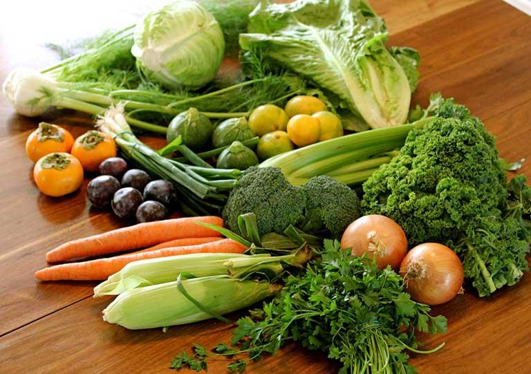 Trong rau củ quả chứa nhiều chất xơ cùng các loại vitamin giúp nâng cao sức khỏe