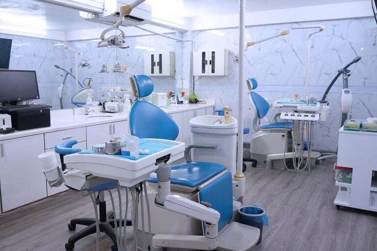 Chọn nha khoa uy tín để thực hiện, kết thúc quá trình niềng răng vẫn tiếp tục thăm khám định kỳ