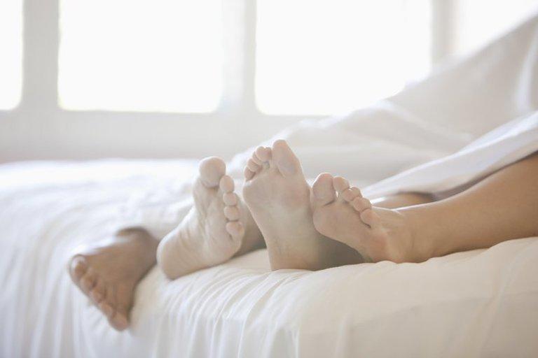 Thói quen quan hệ tình dục không lành mạnh là một trong các nguyên nhân gây bệnh