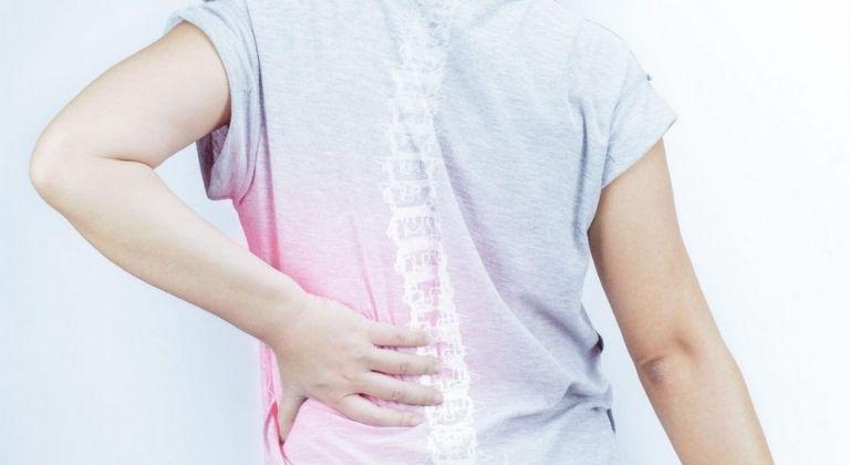 Bệnh gây ra những cơn đau nhức vô cùng khó chịu