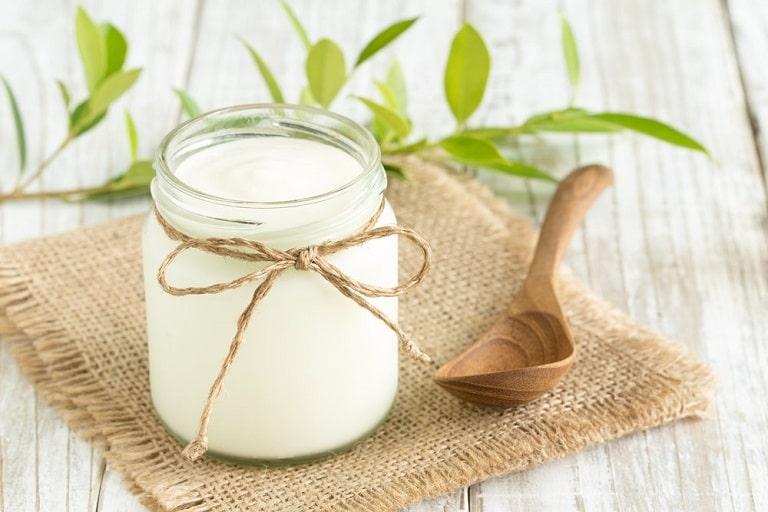 Chị em nên ăn sữa chua để tăng cường lợi khuẩn cho cơ thể