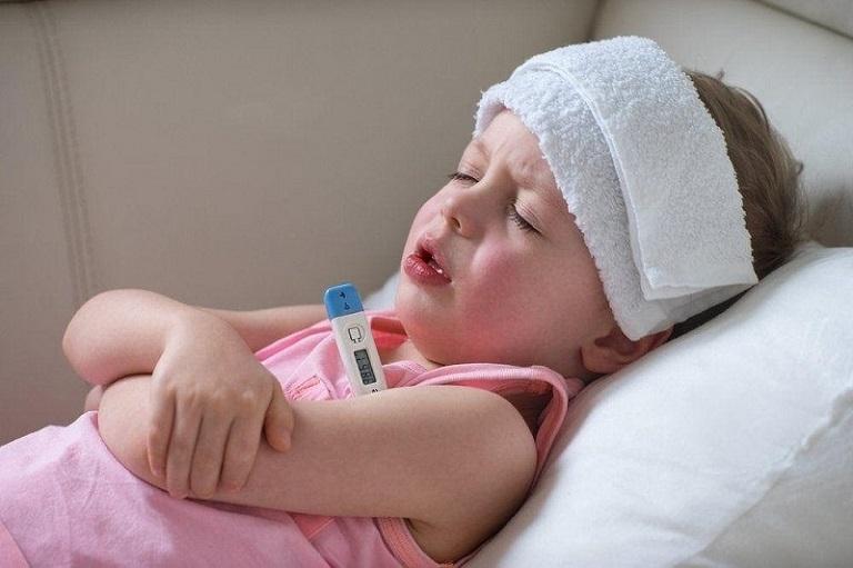 Trẻ bị sốt do viêm amidan thường sẽ khỏi sau 3-4 ngày điều trị