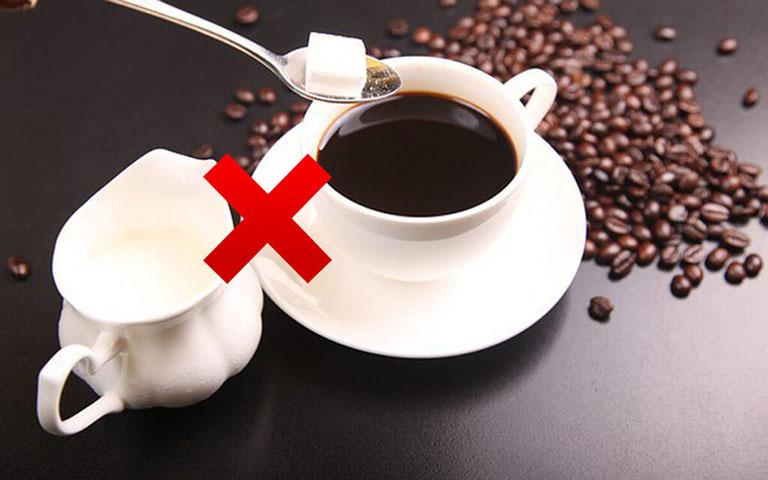 Người bệnh không nên uống cà phê
