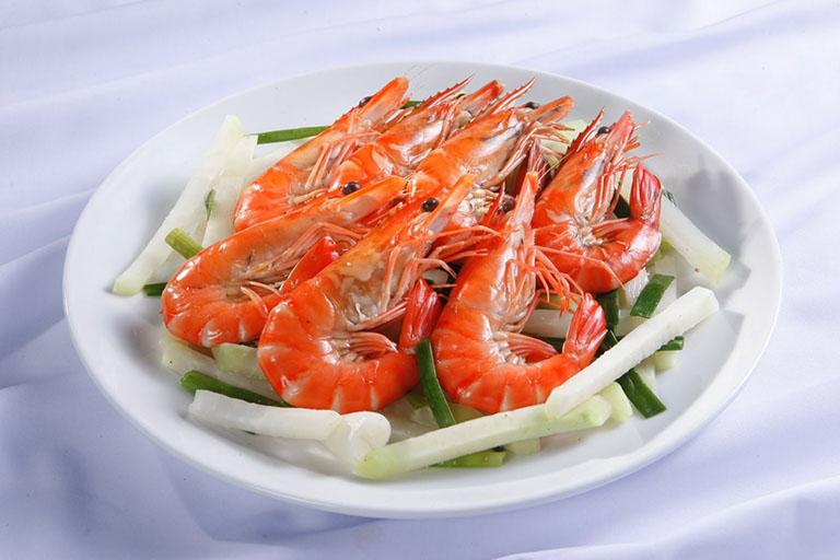 Người bệnh không nên ăn thực phẩm dễ gây dị ứng như tôm, cua, hải sản
