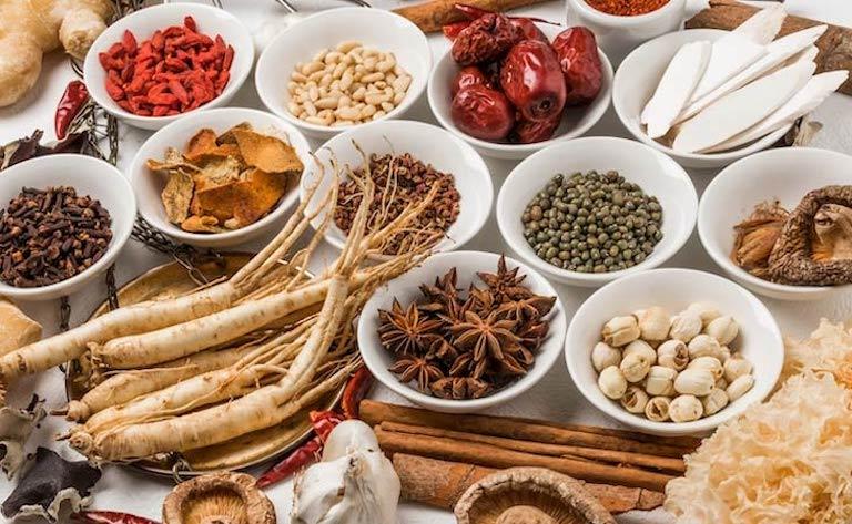 Bài thuốc chữa nhiệt miệng bằng Đông y an toàn, lành tính nhở sử dụng thảo dược tự nhiên