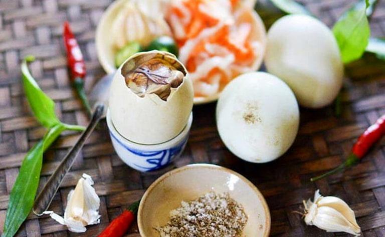 Trứng vịt lộn không phù hợp với người bệnh gút
