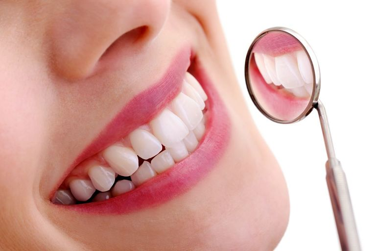 Bọc răng sứ cả hàm hỗ trợ ăn nhai hiệu quả và có tính thẩm mỹ cao