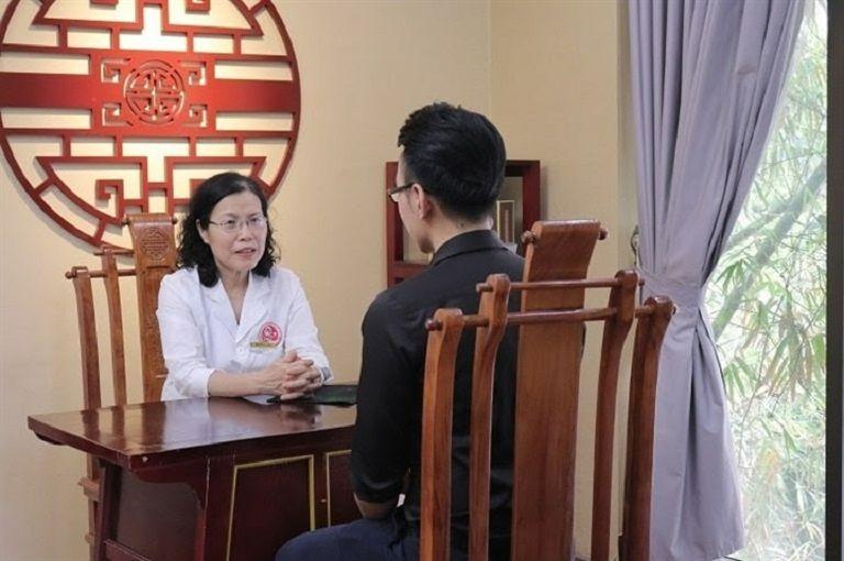 Anh Tuấn Giang đã được chính TS.BS Nguyễn Thị Vân Anh trực tiếp khám chữa bệnh