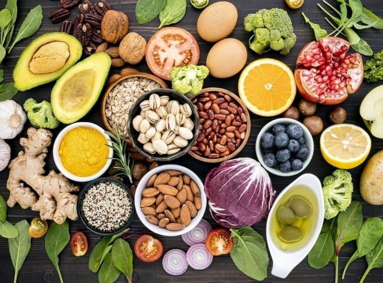 Người bệnh gút nên có chế độ ăn uống lành mạnh