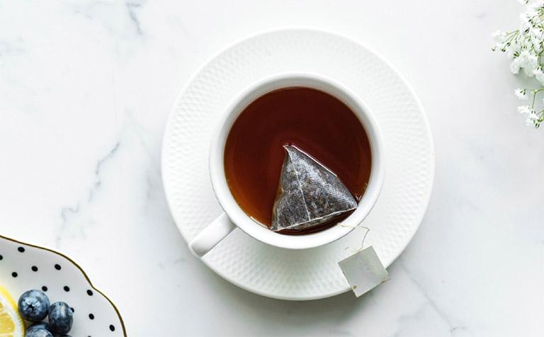 Cách chữa nhiệt miệng nhanh nhất tại nhà bằng cách dùng bã trà túi lọc