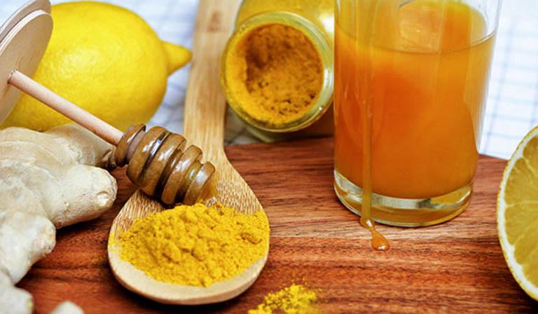 Trị đau họng bằng bài thuốc kết hợp từ mật ong và nghệ vàng