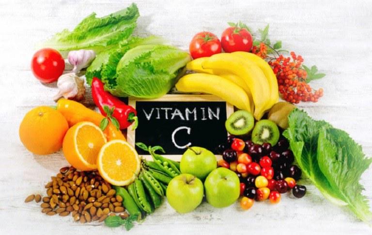 Bổ sung dưỡng chất thiếu yếu cho cơ thể, chẳng hạn như vitamin C