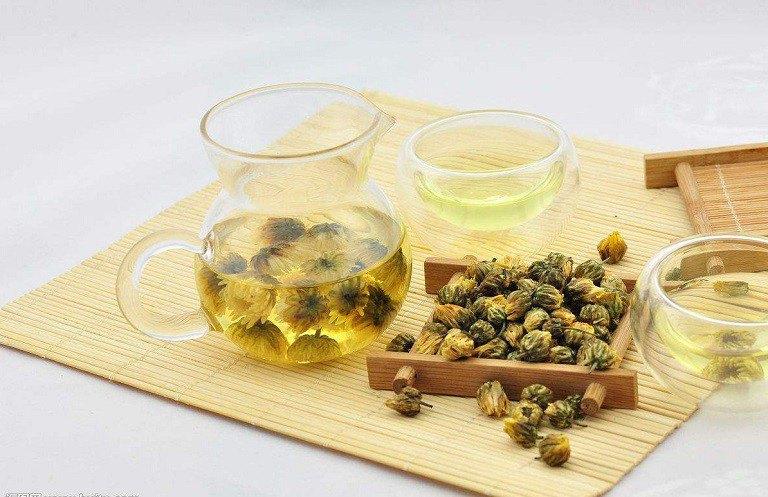 Bài thuốc dân gian trị trào ngược dạ dày bằng trà hoa cúc