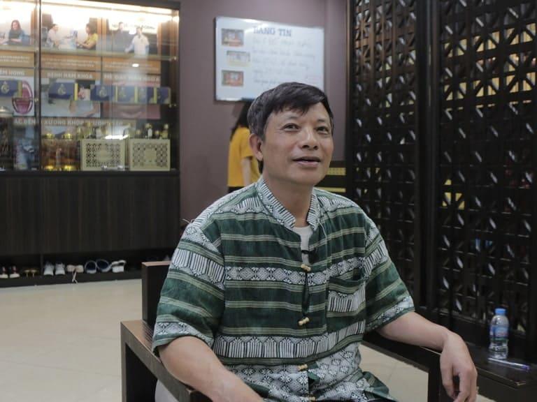 Chú Sử thăm khám tại nhà thuốc Đỗ Minh Đường