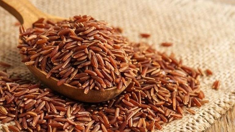 Gạo lứt chứa rất nhiều dưỡng chất tốt cho sức khỏe, nhất là những người đang bị bệnh về xương khớp