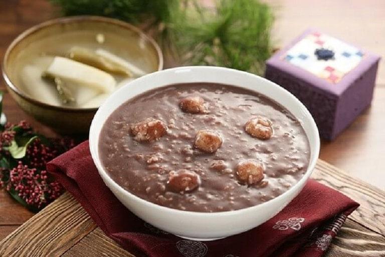 Cháo gạo lứt đậu đỏ không chỉ thơm ngon mà còn chứa giá trị dinh dưỡng cao