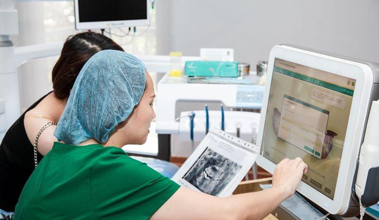 Có nhiều bệnh viện hoặc phòng khám uy tín bạn có thể lựa chọn để niềng răng