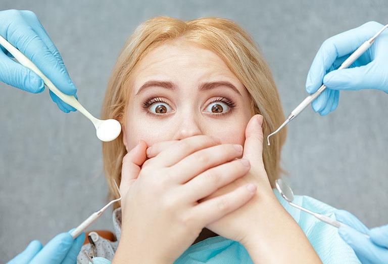 Ăn uống không khoa học sau niềng răng dẫn đến sụt cân và hóp má
